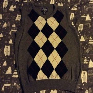 Boys size 7/8 argyle sweater vest